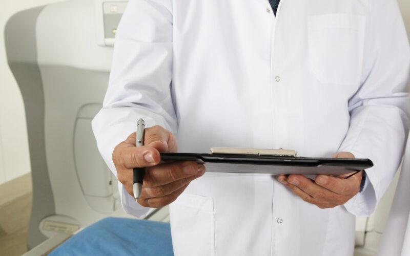 Medico, liste di Attesa