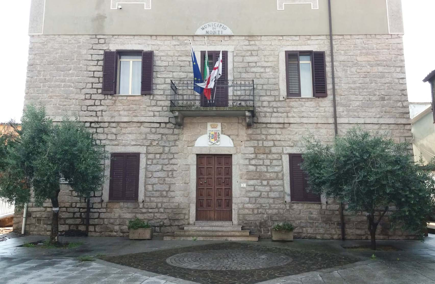 Palazzo comunale Monti
