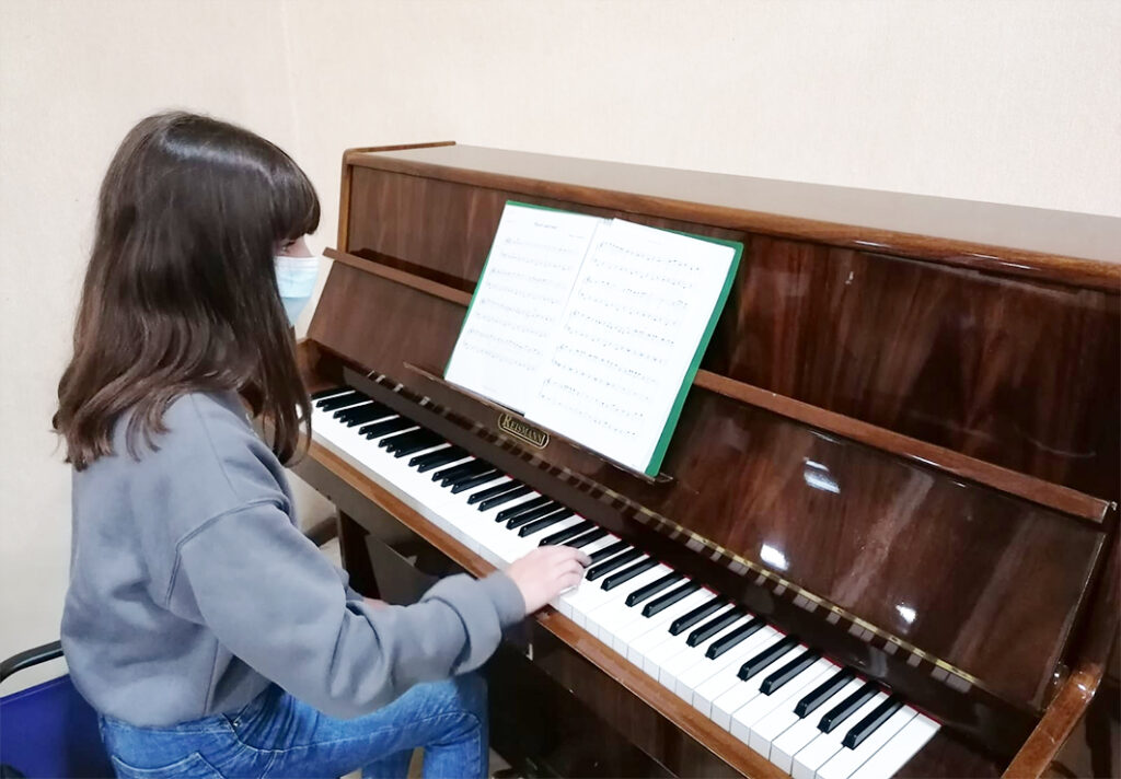 indirizzo musicale dell'IC di Ozieri: una allieva del corso musicale dell'IC di Ozieri