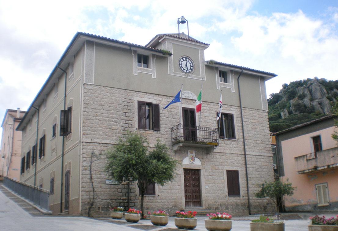 Monti, Comune