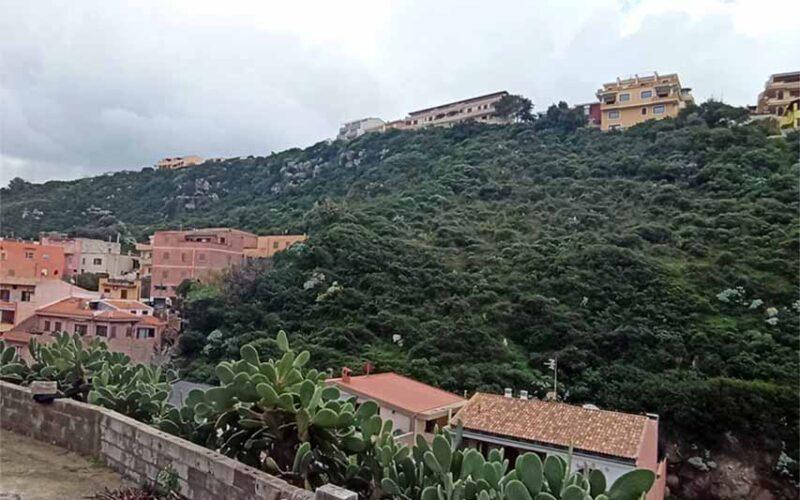 Costone roccioso di via Salvino Castelsardo