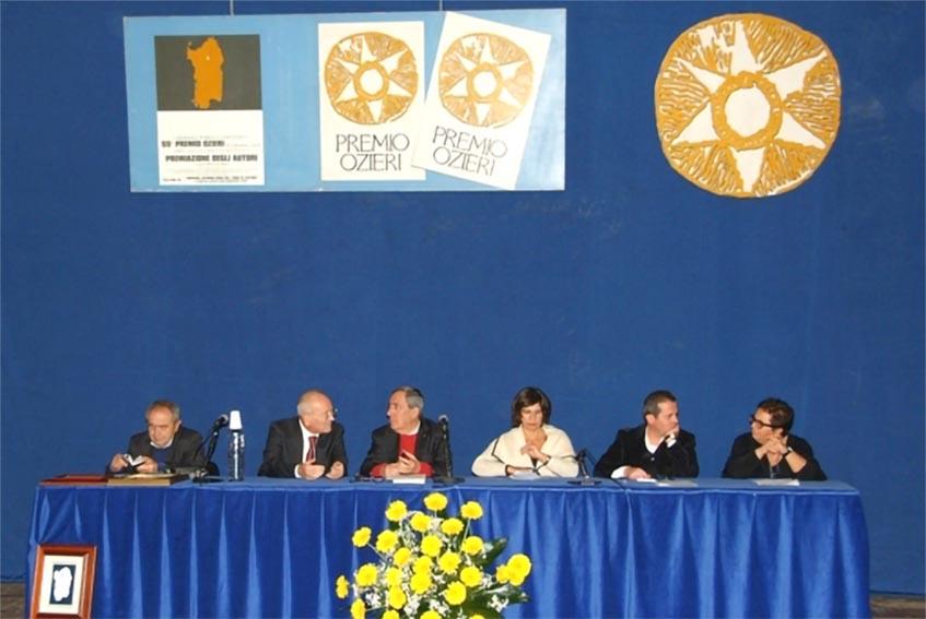 Una giuria del Premio Ozieri
