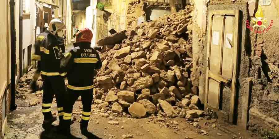 edificio abbandonato in via Farina a Nuoro