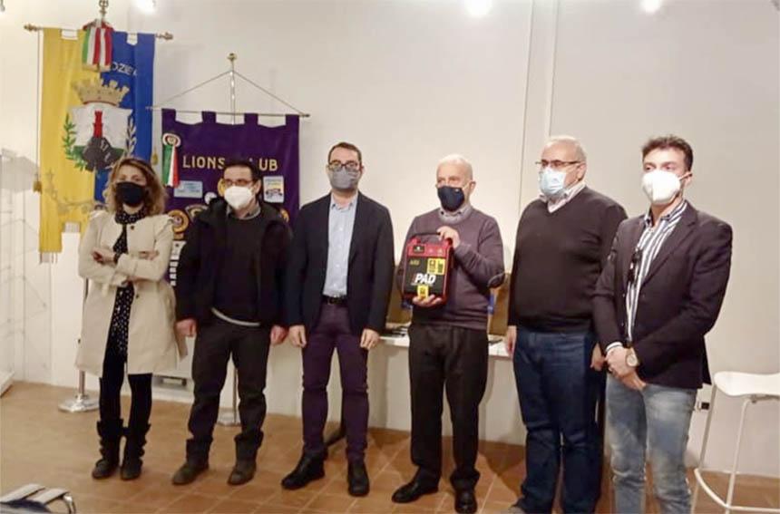 Lions Club Ozieri consegna defibrillatori scuole