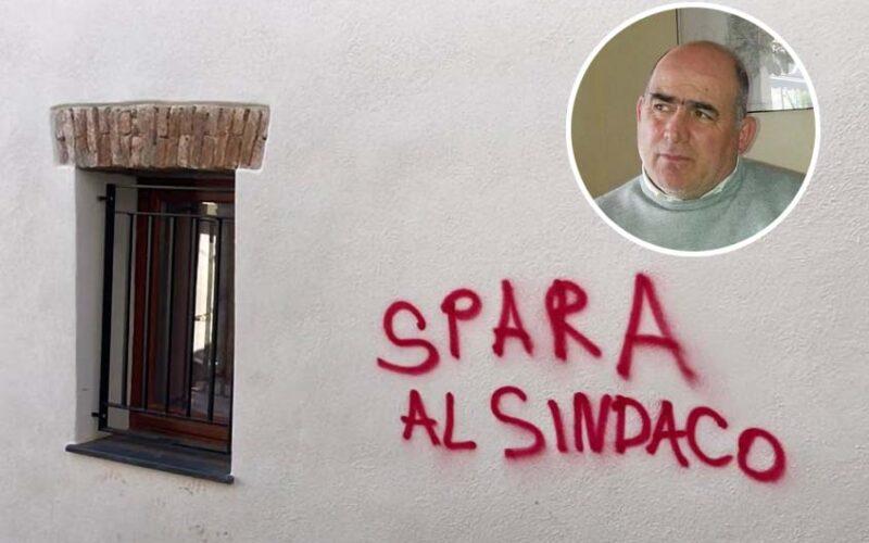 Scritta minacce al sindaco di Siniscola Gian Luigi Farris