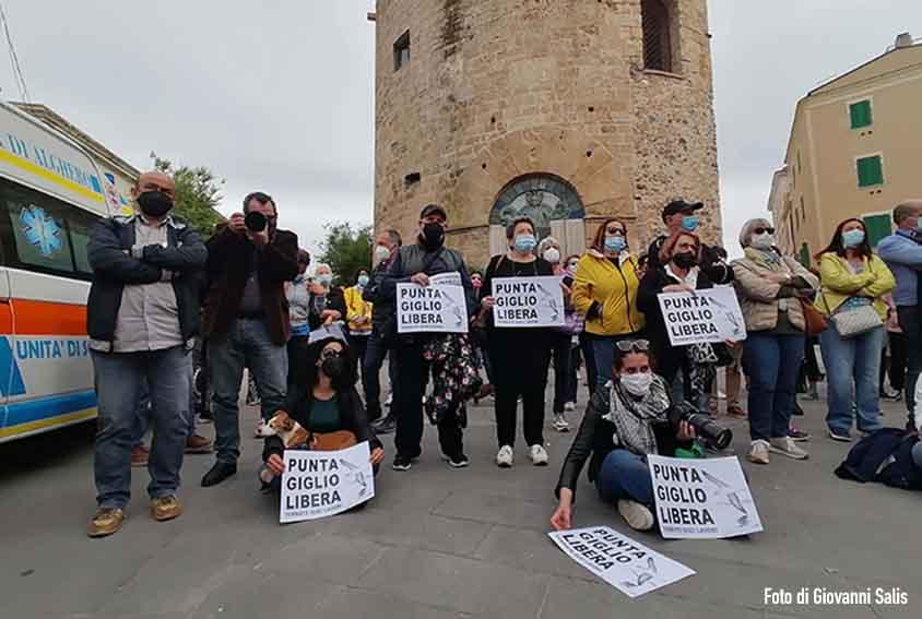 mobilitazione popolare in difesa di Punta Giglio