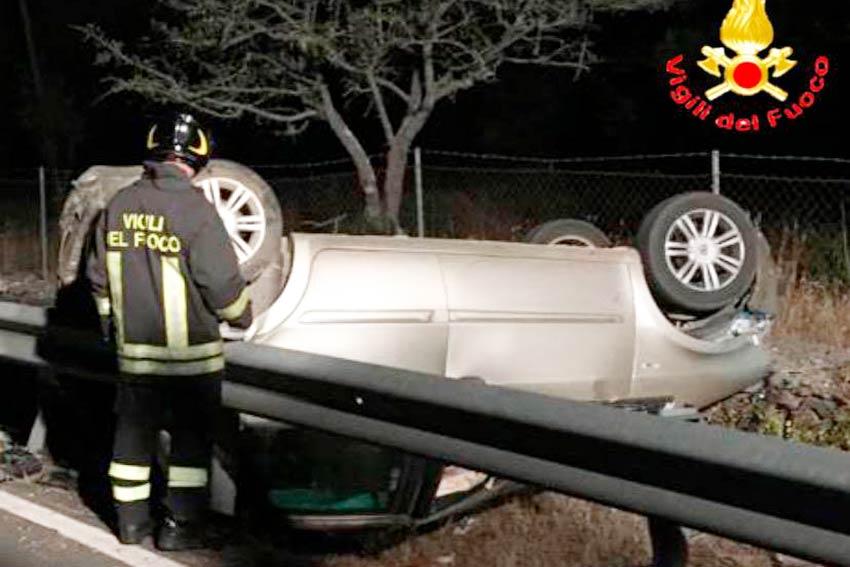 Auto ribaltata incidente Dorgali SS 125