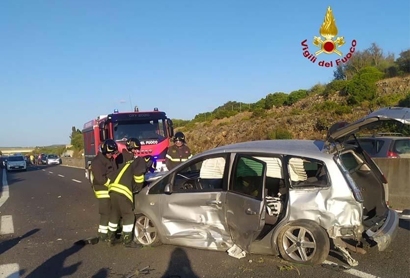Auto coinvolta incidente statale 291 Sassari-Alghero
